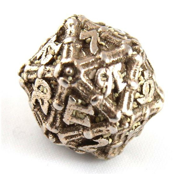 Dragonbone dice D20
