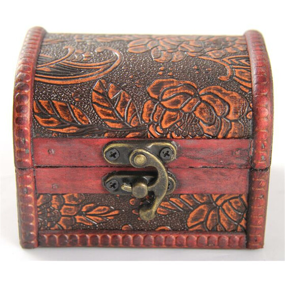 Medium chest with leather design 12