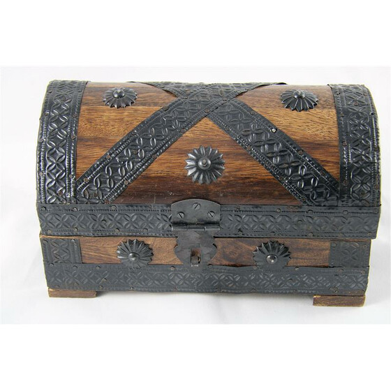 Pirate treasur chest
